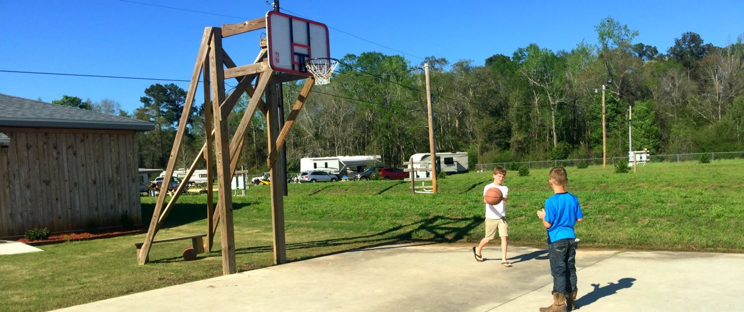 Cypress Landing RV Park basketball